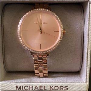 SALE🔥Michael Kors beautiful watch NWT